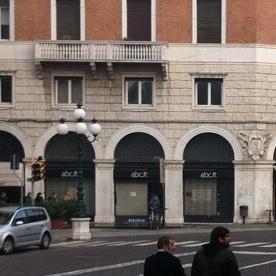 Ferrara ABC Apple Premium Reseller Vetrine