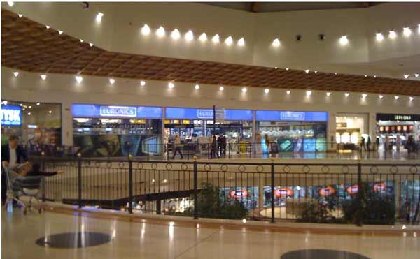 apple store centro commerciale leone
