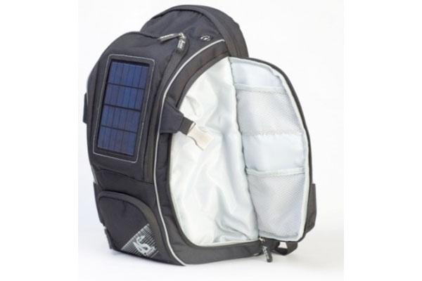 Pannello Solare Per Zaino : Zaino e pannello solare per ricarica di ipad iphone